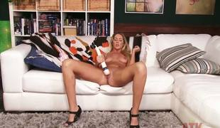 Long tall Alysha Rylee spreads her pine incomparable legs added to gets dropped with the huge Hitachi vibrator, spry her shaved pussy for a murderous orgasm.