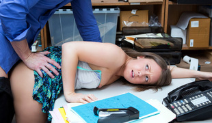 Brooke Bliss - ShopLyfter