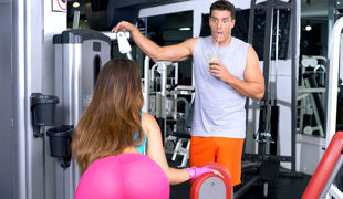 Kelsi Monroe & Ramon Nomar in Gym Fails  - DigitalPlayground