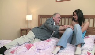 Trim and pretty whore Zarina lies regarding bed forth mature Casanova
