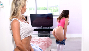 Tylo Duran & Mila Marx in Spring Cleaning - MomsLickTeens