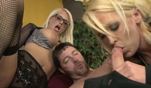 Alura Jenson has a special approximate of upbringing her hot daughter Jacky Joy, and it includes showing her enveloping sex in person, set of beliefs her anyway roughly suck a guys cock!